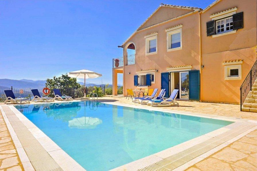 Villa in Greece, Sinies