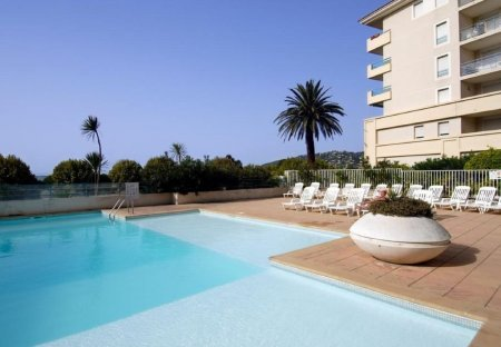Apartment in Pont du Lys-Antibes Les Pins, the South of France