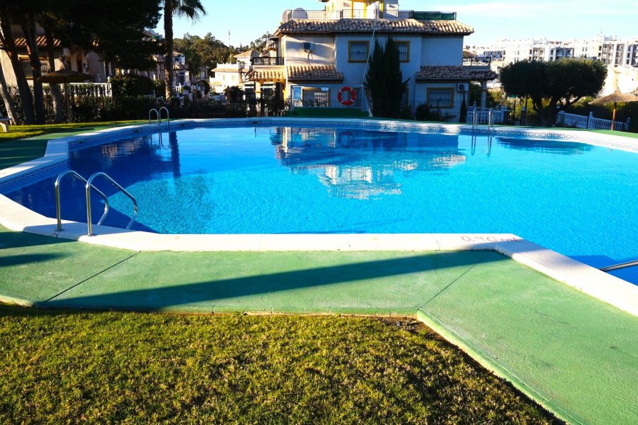 Costa Blanca South - 2 Bed 1st Floor Apartment - Villamartin