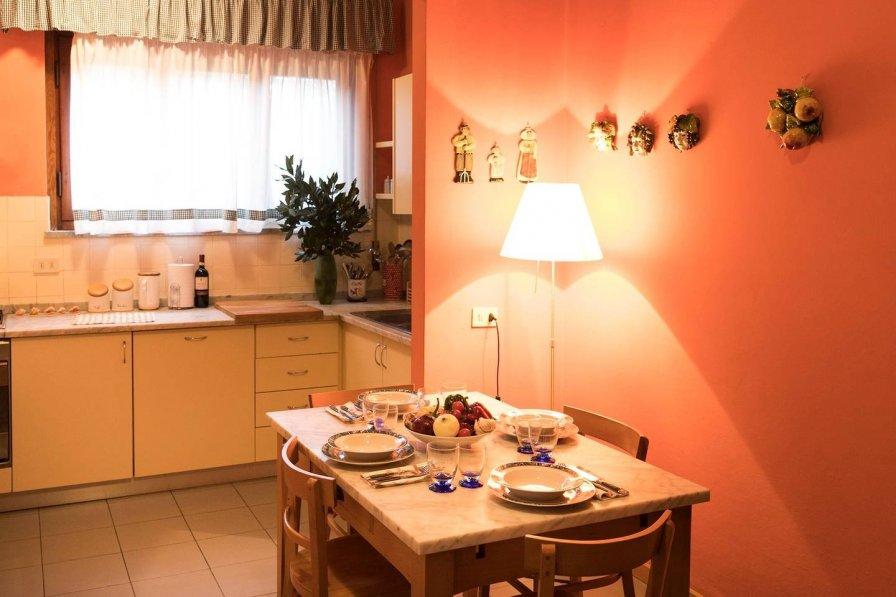 Orange Country Suite