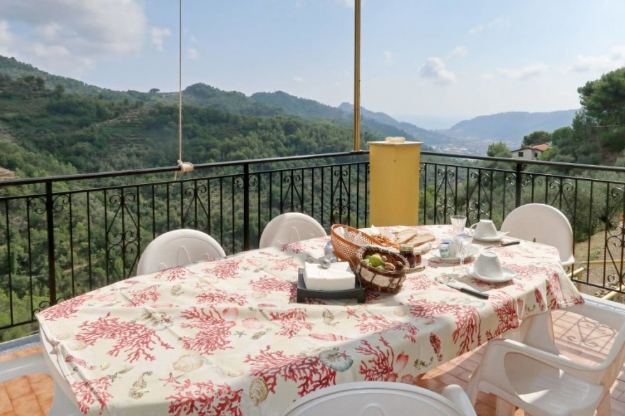Apartment in Italy, Dolceacqua