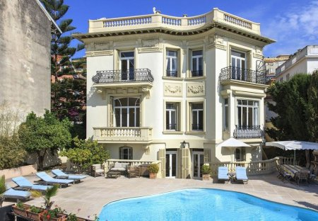Villa in Le Port, the South of France