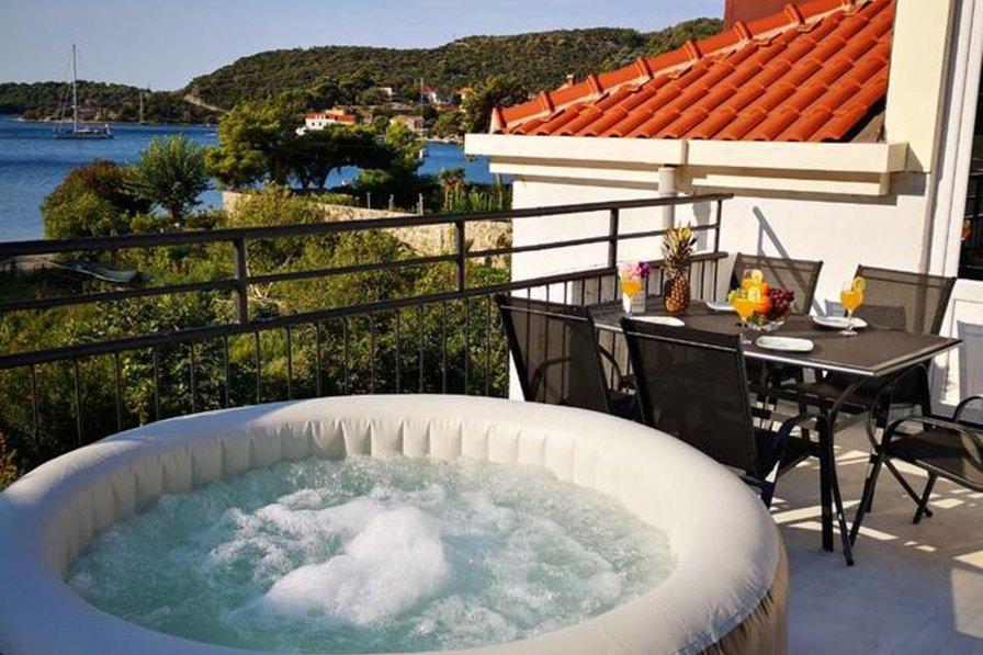 Seaview penthouse apartment Kukuljica