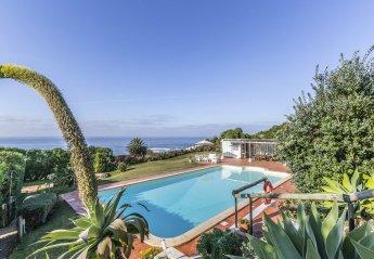 5 bedroom Villa for rent in Praia Grande