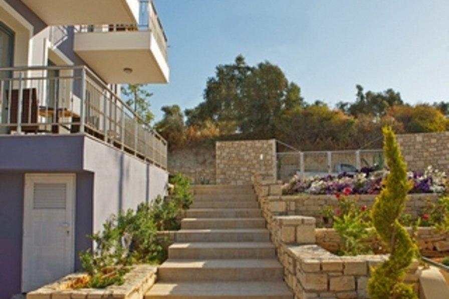 Villa in Greece, Adele
