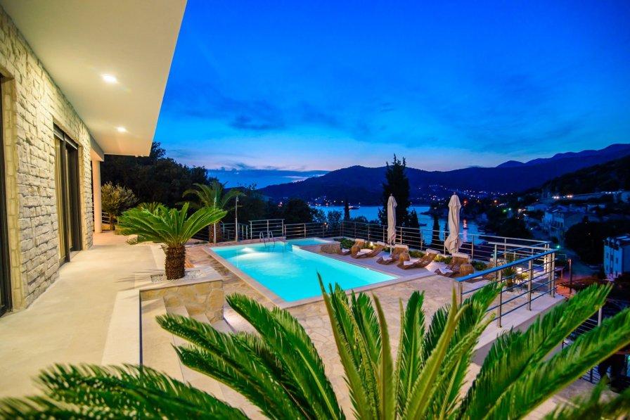 Luxury Villa Neptune with Pool