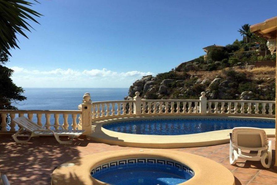 Villa to rent in Cumbre del Sol, Costa Blanca