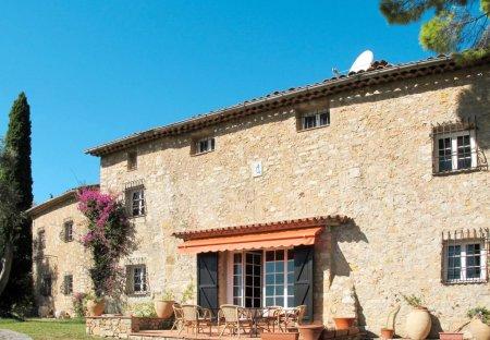 Villa in Spéracèdes, the South of France