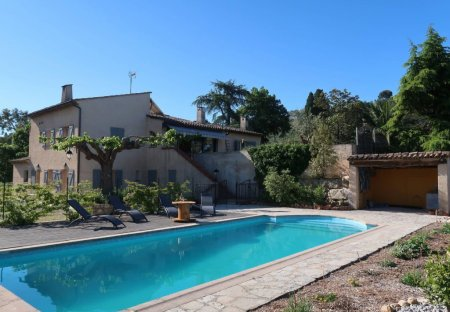 Apartment in Les Indes Les-Groulles, the South of France