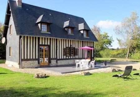 Villa in Saint-Désir, France