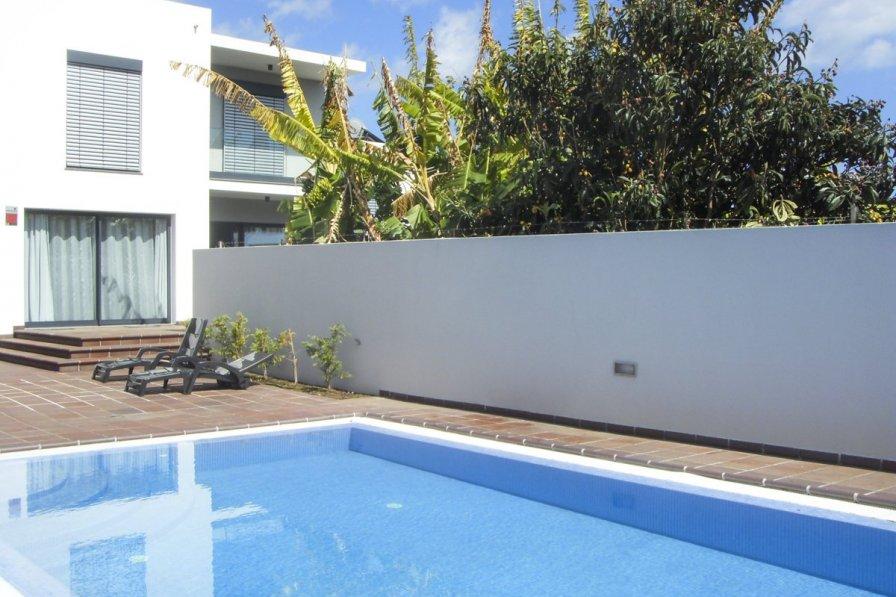 Villa in Portugal, Săo Martinho: <Samsung i8, Samsung VLUU i8>