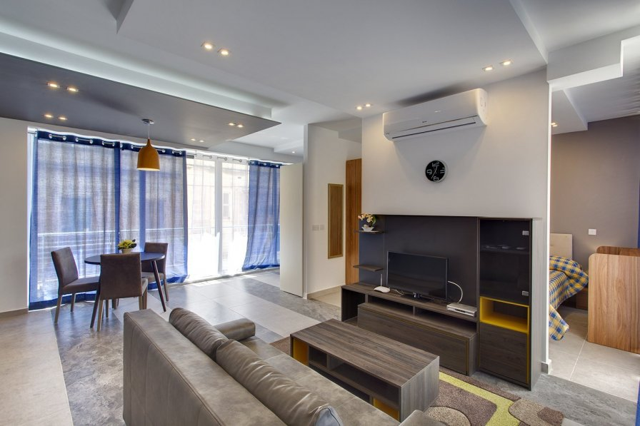 Luxury Apt Best Location, Sliema