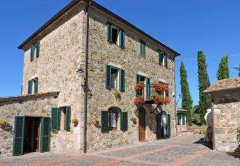 6 bedroom Villa for rent in Cetona