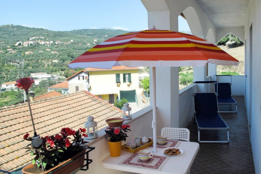 Apartment in Italy, Isolalunga