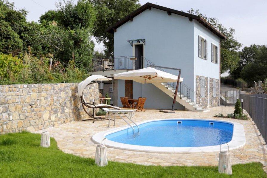 Villa in Italy, Pontedassio