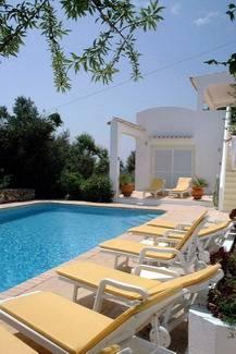Villa in Portugal, Sao Faustino: Poolside