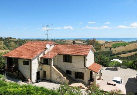 Villa in Roseto degli Abruzzi, Italy