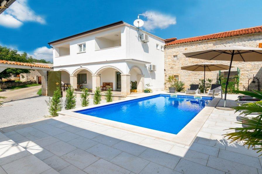 House in Croatia, Kringa