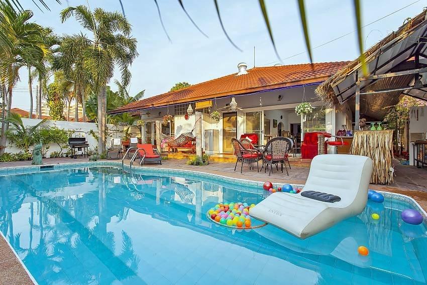 Summer Palms Villa | 4 BR Pool Villa in Pattaya
