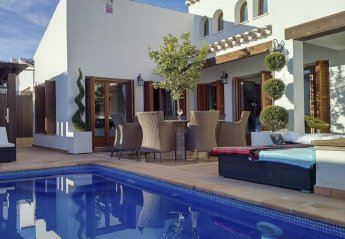 5 bedroom Villa for rent in El Valle Golf Resort