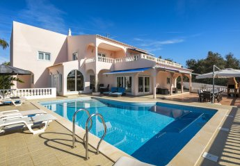 5 bedroom Villa for rent in Lagoa
