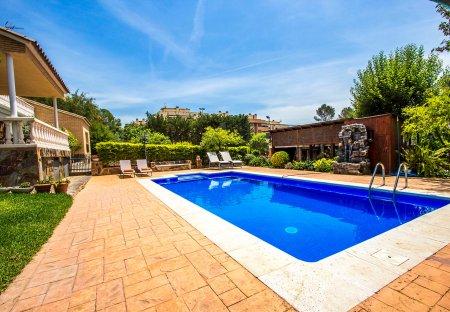 Villa in Sabadell, Spain
