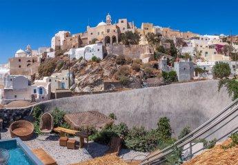 4 bedroom Villa for rent in Santorini