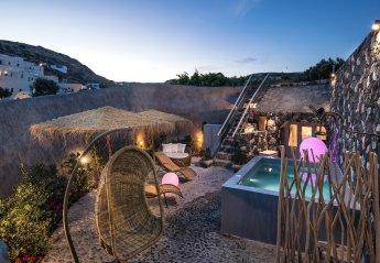 3 bedroom Villa for rent in Santorini