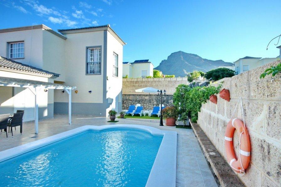 Nice Villa in sunny Costa Adeje with private pool