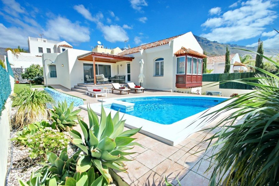 Luxurious 3-Bedroom Villa