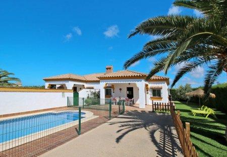 Villa in Roche Viejo, Spain