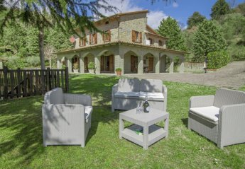 4 bedroom Villa for rent in Cortona