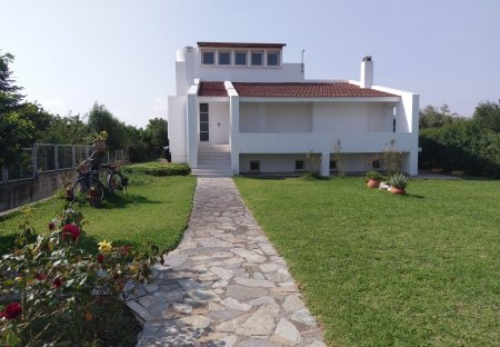 Country House in Vrachati, Greece