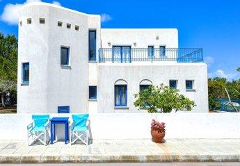 3 bedroom Villa for rent in Peyia