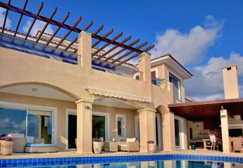 6 bedroom Villa for rent in Coral Bay