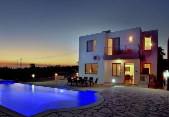 4 bedroom Villa for rent in Sea Caves
