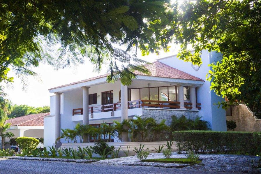 Casa Matuk - 2 BR Hidden Gem of Playacar - walk to beach