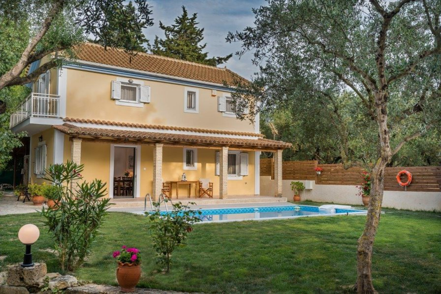 Villa in Greece, Tragaki