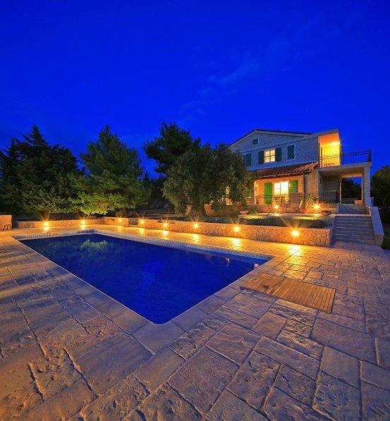 Villa in Croatia, Lun