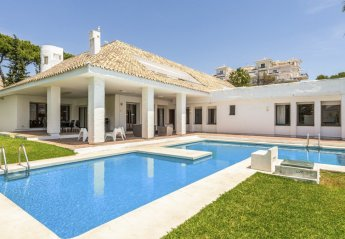 6 bedroom Villa for rent in Nueva Andalucia