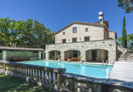 Villa in Rognes, the South of France