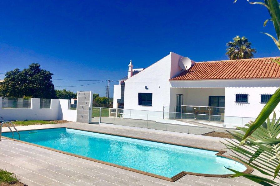 Villa in Portugal, Vala