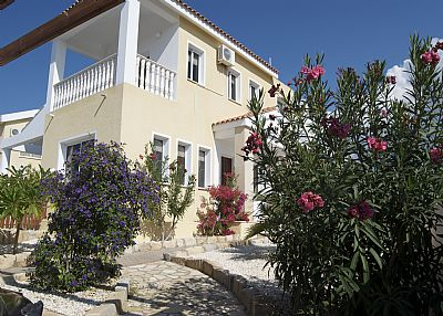 Villa in Cyprus, Coral Bay: Front of villa