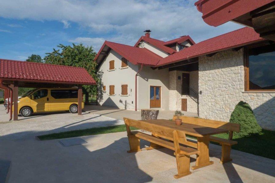 Villa in Croatia, Gospić