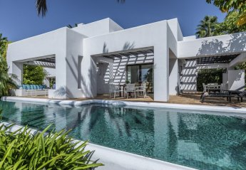 4 bedroom Villa for rent in Casares