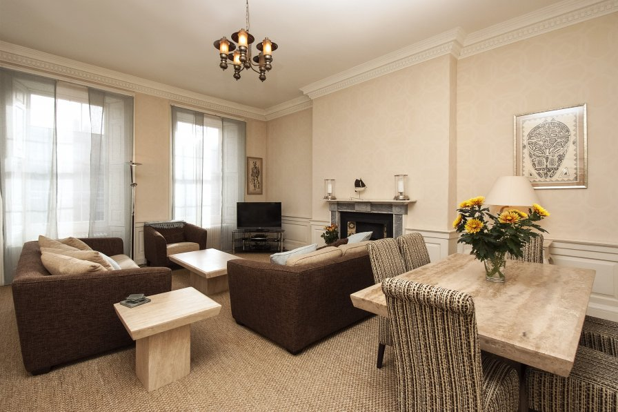 Apartment in United Kingdom, New Town: Morris Paton, Edinburgh