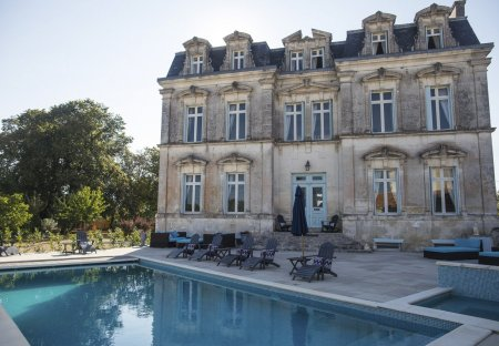 Chateau in Aulnay, France