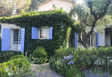 Villa in Roquefort-les-Pins Nord, the South of France
