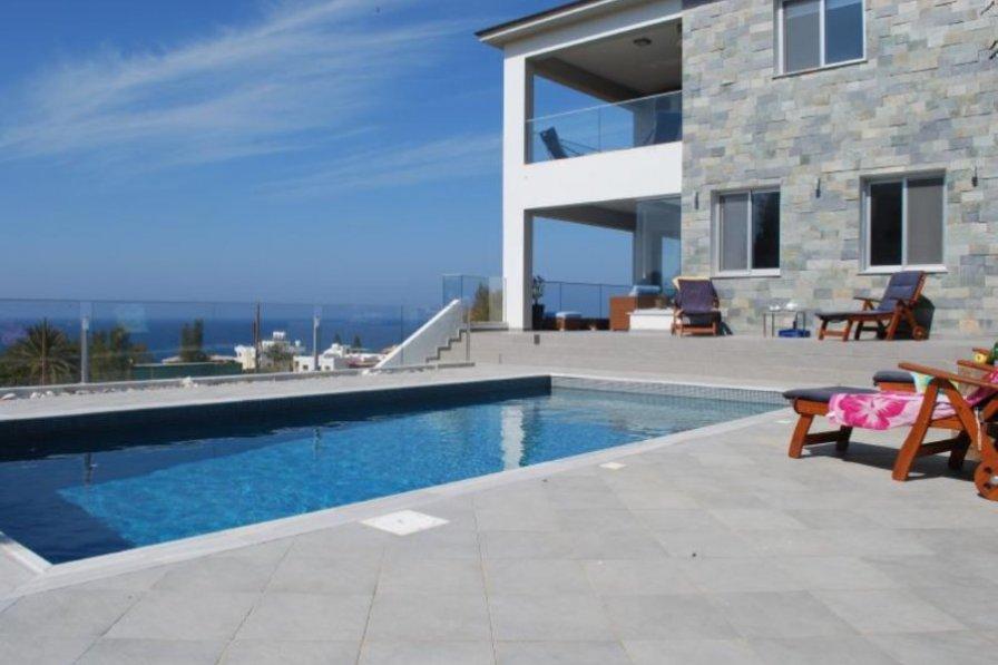 Mariza Seaview Villa