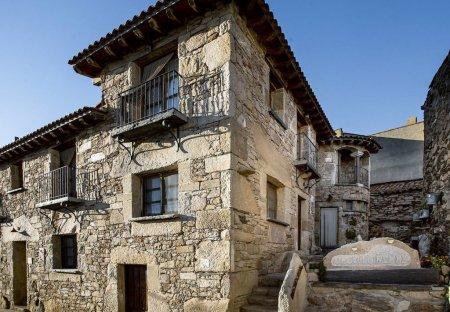 Apartment in Bermellar, Spain